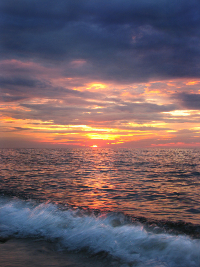 5) Lake Erie: What  is life without the waves and sunset that only a Great Lake can bring?