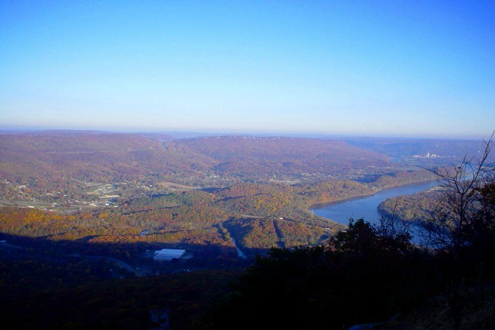 6) Rock City is located on Lookout Mountain, and it's where you can take in the valley and strange beauty of magnificent rock formations.