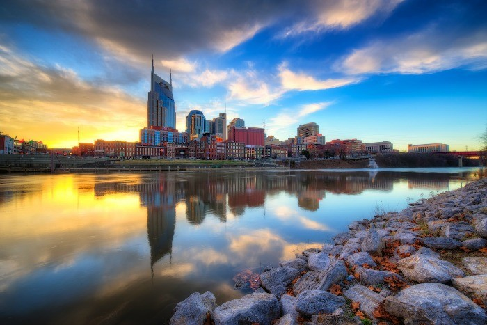 2) Looking for the beauty of a skyline? Look no farther than Nashville, making its home right in middle Tennessee. The state capitol is rimmed by the Cumberland River and glows neon when the sun sets.