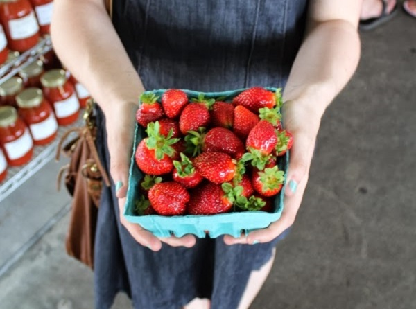 7) Pick up some fresh produce at the local farmers market - the year-round Nashville Market is always a winner, or you can head down to Franklin to get a breath of fresh air.