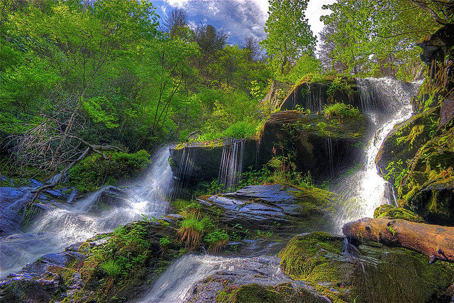 8. Upper Catawba Falls