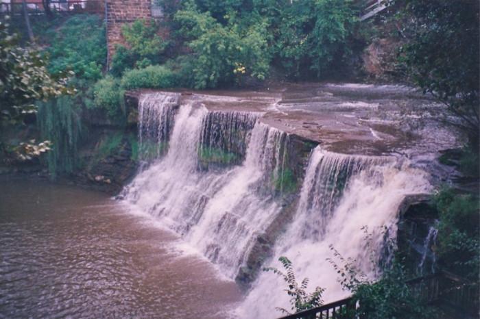 5) Chagrin Falls