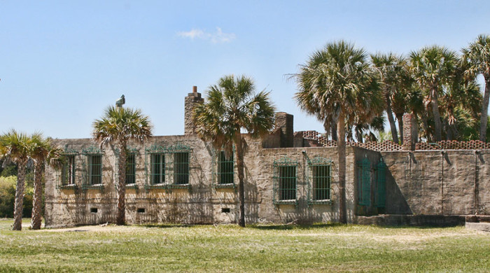 2) Atalaya Castle: Built on Huntington Beach Near Murrell's Inlet, SC, between 1931-1933 as a winter home for Anna Hyatt Huntington, an American Sculptor, and her husband. This Spanish-style castle boasts 30 rooms!