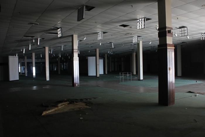 Cloverleaf Mall, Chesterfield