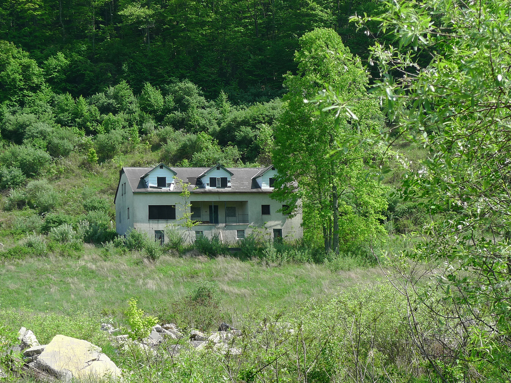 These 10 Abandoned Buildings In Virginia Will Send Chills