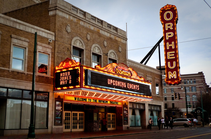 9) The Orpheum Theatre is a magnificent place of the arts in Memphis, Tennessee that is famous as the setting of the classic American ghost story. Although there are said to be as many as ten ghosts wandering the brick premises, it is young Mary that steals the hearts of patrons. Believed to be between the ages of nine and twelve, the girl was killed by a speeding car in front of the theater and supposedly greets guests and watches dress rehearsals from her favorite seat in the balcony. Masked figures and swinging doors have also regularly been reported.