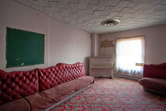 11) A room in the Fort Henry Club which is located in Wheeling, West Virginia.