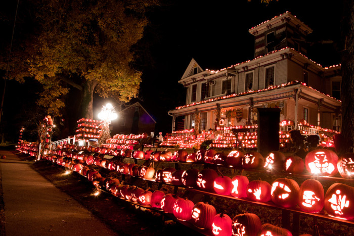 10) In Kenova, WV, resides the famous Pumpkin House. Owner Ric Griffith, the town mayor, hand carves over 3000 pumpkins each year every Halloween season. Talk about some dedication!