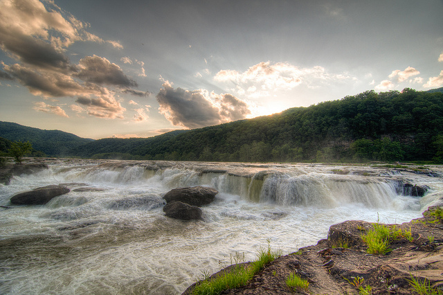 3) The widest waterfall in West Virginia at 1500 feet wide, Sandstone Falls, located in Hinton, WV.