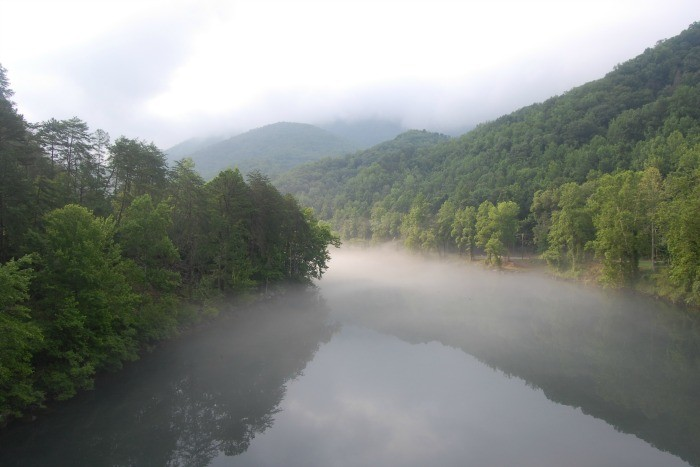 17) Head out to the Tennessee River Gorge for a mini road trip where you can drive through the 26-mile canyon and catch stunning views of the Tennessee River.