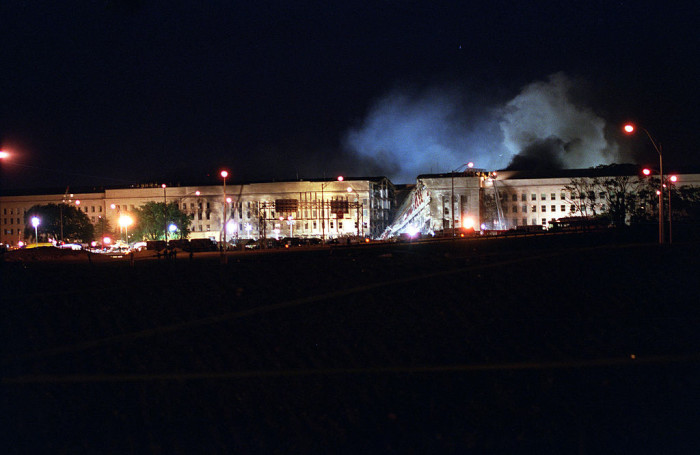 1024px-Firefighters_combat_fires_on_the_west_face_of_the_Pentagon_in_Arlington,_Va.,_Sept_010911-D-SN666-198