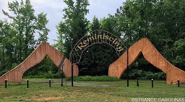 15 Strange Roadside Attractions In North Carolina
