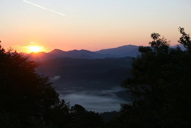 25) Great Smokey Mountain Stunner