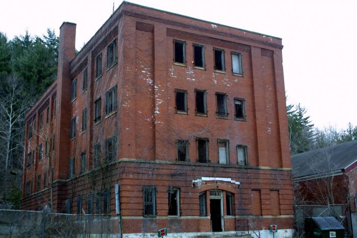 7) Roseville Prison