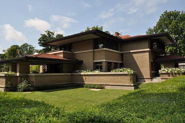 3) Meyer May House