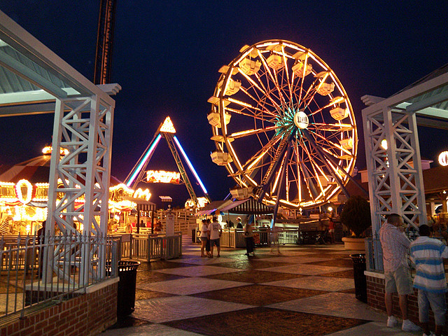 13) Ride the ferris wheel or take a moonlit stroll on the Kemah Boardwalk in Kemah, TX for a first kiss both of you will remember forever.