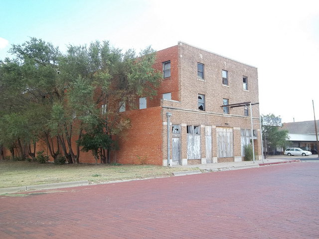 15) The abandoned Cottle Hotel in Paducah: try to check in now, and you may not ever leave...