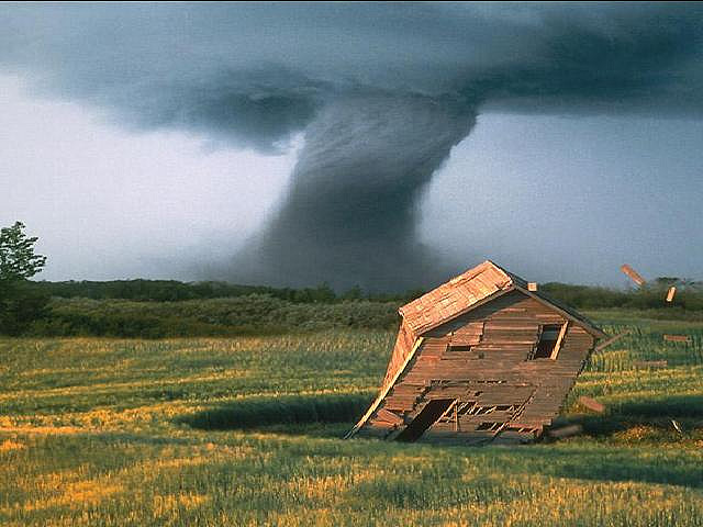 13) Texas experiences the most tornadoes per year in the country, with a yearly average of 139.