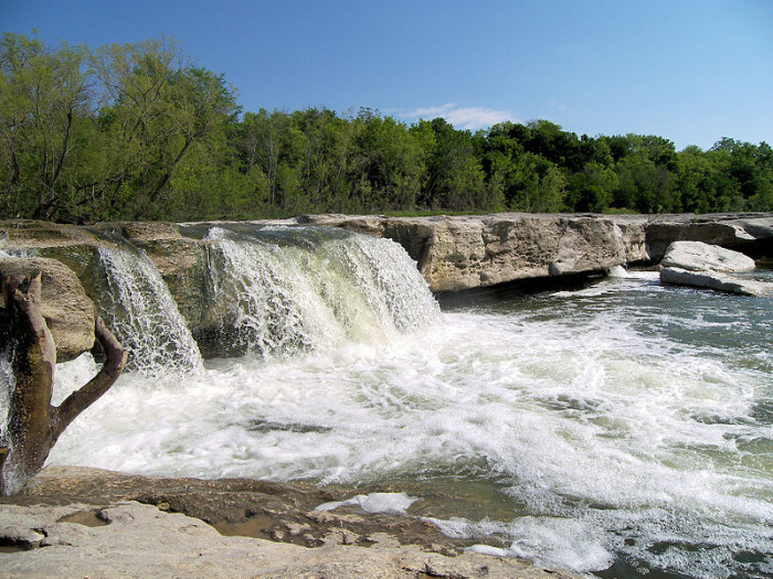 8 Of The Best Waterfalls Texas Has To Offer