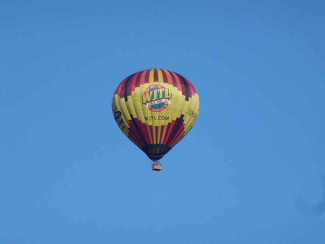 8. Balloon Rides Daily by The U.S. Hot Air Balloon Team, Bird-In-Hand
