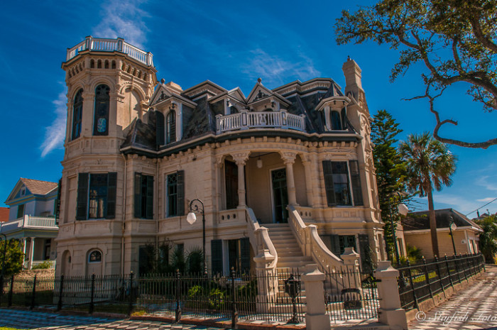 7) Trube Castle: located in the coastal city of Galveston, Texas, this castle was built in 1890 by architect Alfred Muller. It features an impressive 21 rooms spread out over 7,000 square feet, and is open for tours, weddings, and other special events.