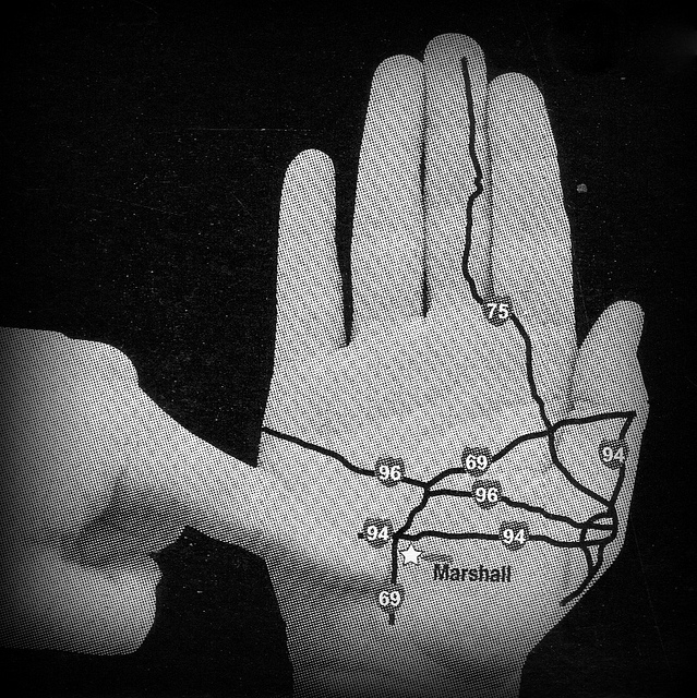 Your hand doubles as the state map.
