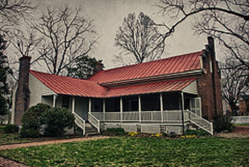 7) The Carter House has seen some sights, one of the many being the bloody battle of Franklin.