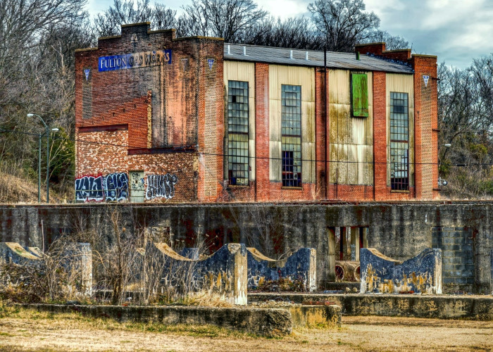 10. Fulton Gas Works provided natural gas to Richmond City from 1851 until it closed in 1972. It now sits empty, providing only a canvas for graffiti and incredible photo ops.
