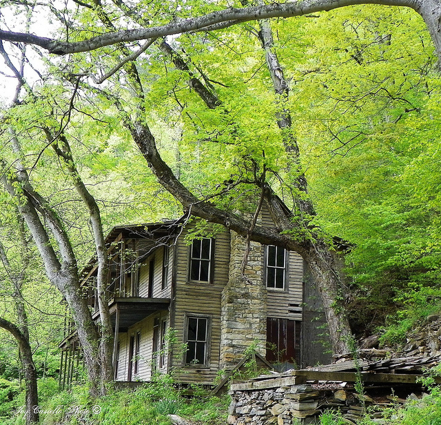 10 Crazy Abandoned Spots In Tennessee