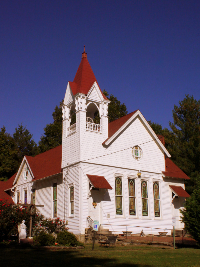 14 Beautiful Tennessee Churches