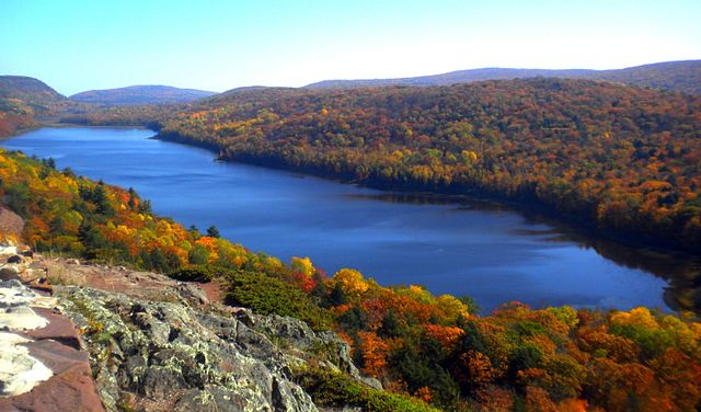 14) Lake of the Clouds