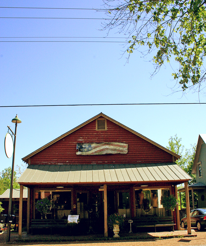 5) Historic Leiper's Fork is tucked back in Williamson county, a sweet rural town that has less that 700 inhabitants. Take a gander at the cute boutiques that line the main street or stop at Puckett's for lunch. Keep an eye on the event calendar, too. The town offers free outdoor movies during the summer!