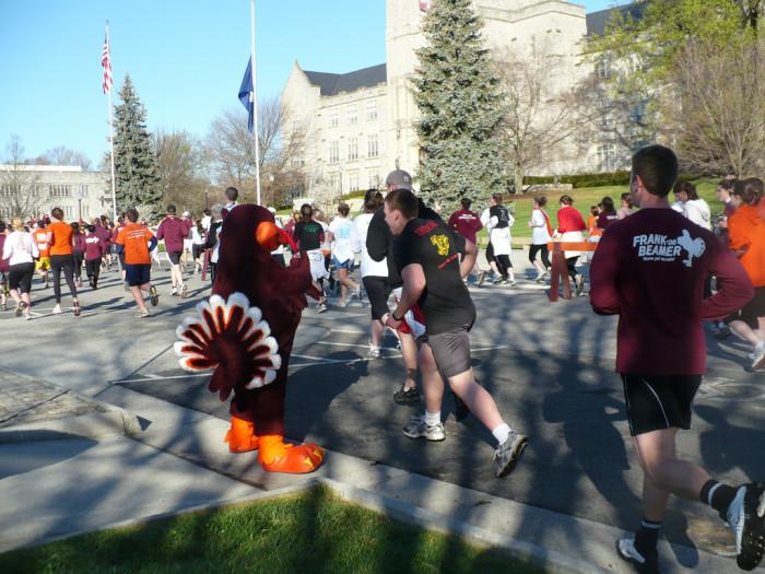 Run for 32, Annual 3.2 mile run in honor of 4/16, April 16, 2009