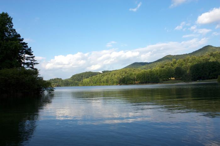 Watauga-Lake-700x466.jpg