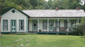 Everyone In Kentucky Should Visit These 12 Homes For Their Incredible Pasts