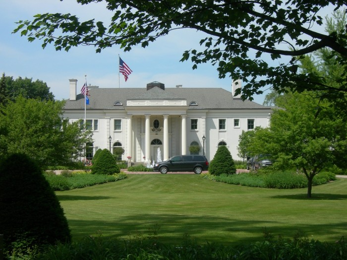 1. Wisconsin Governor's Mansion (Madison). It welcomes over 20,000 visitors annually.