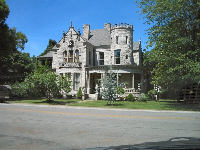 5. Guthrie Castle: this hidden estate is located in Guthrie, Kentucky near the Tennessee border.