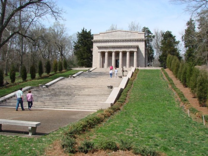 12. Get a sense of history by visiting the Abraham Lincoln Birthplace in Hodgenville