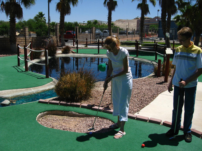 5) The first mini-golf course was located in Chattanooga