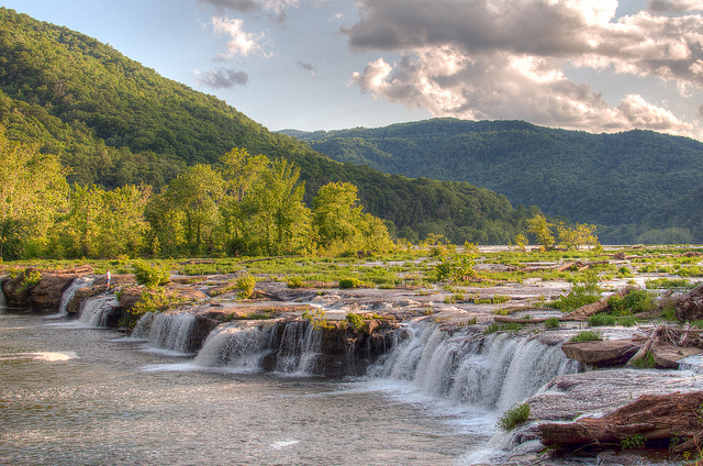 4) Sandstone Falls is located in Summers County, WV.