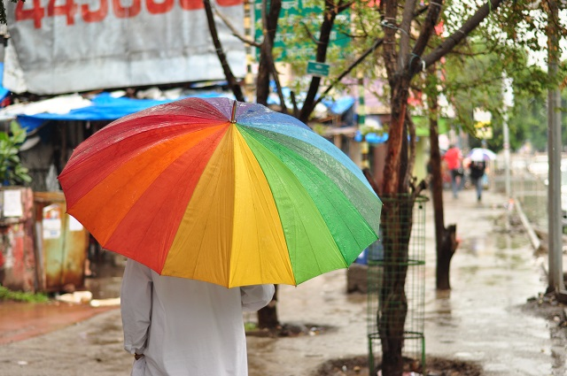8.) In Montgomery, it's illegal to open an umbrella on a street.