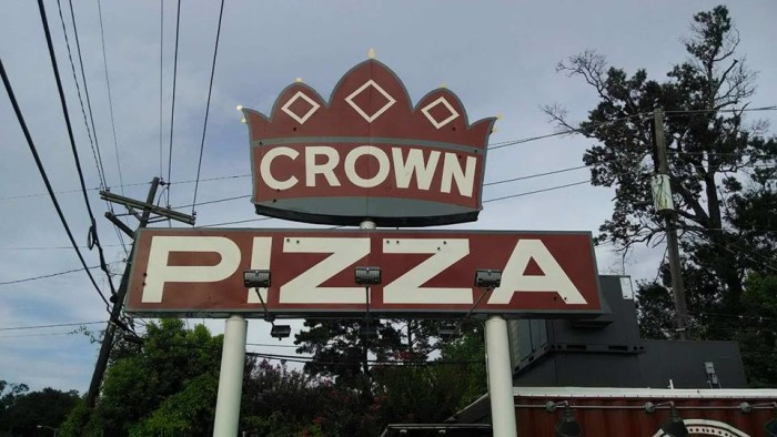9) Crown Pizza - Beaumont