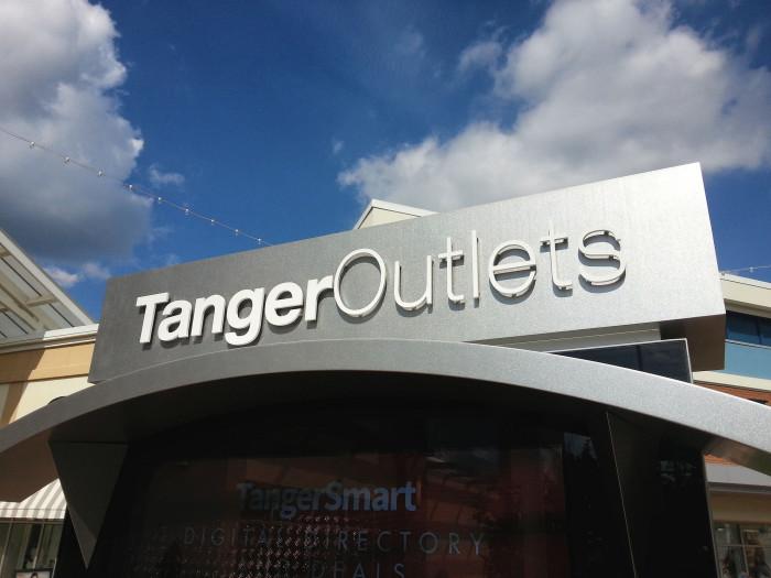 2) Tanger Outlets (Jeffersonville)