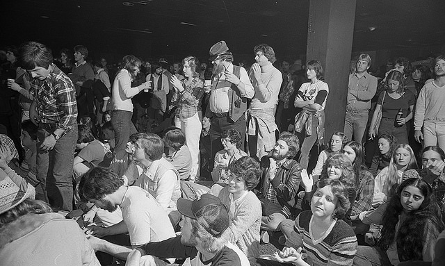2. 1980, fans show up at The Pier in Raleigh to hear live music.