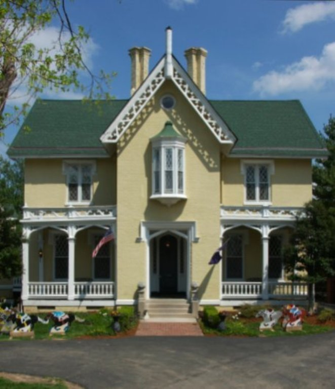 10. A  Gothic Revival Mansion, the 1853 Inn in Woodhaven is a historic venue where guests can step back in time.
