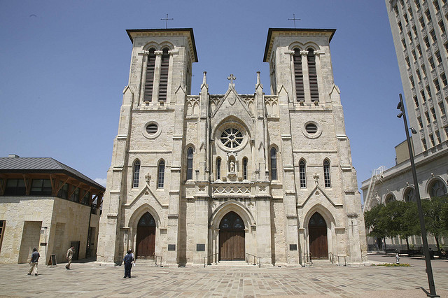 2) San Fernando Cathedral - San Antonio