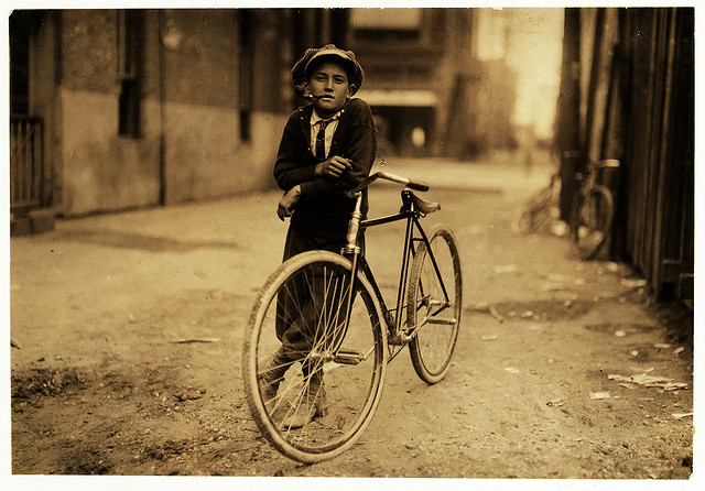 7) A messenger boy working for Mackay Telegraph Co., in Waco in 1913. Wow, bikes sure have changed a lot over the years..