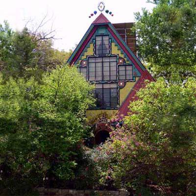 11) Casa Neverlandia - Austin