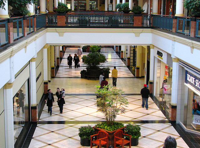 7. You've been to America's second-largest shopping mall, King of Prussia.