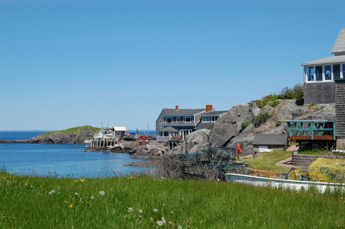 These 18 jaw dropping places in maine will blow you away for Ocean isles fishing village